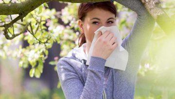 Alergiczny nieżyt nosa – jak sobie z nim radzić?